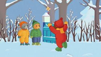 Petit Ours Brun fait des boules de neige