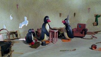 Pingu répare un tabouret